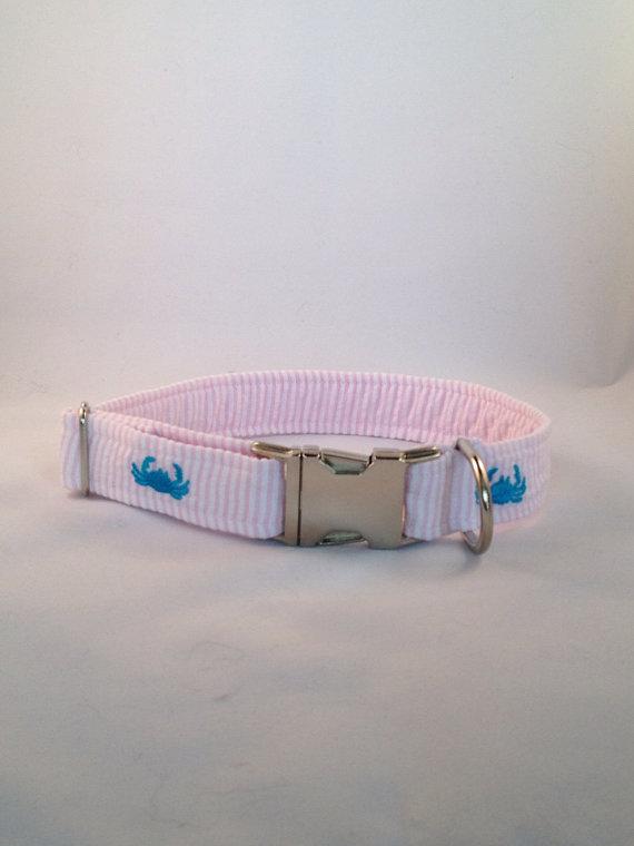 Свадьба - Preppy Pink Seersucker Crab Dog Collar, Crab Dog Collar, Wedding Dog Collar, Preppy Dog Collar, Critter Dog Collar, Nautical Dog Collar