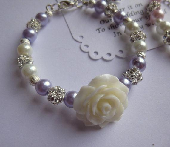 Mariage - Flower Girl Bracelet, Pearl Flower Girl Bracelet, Flower Girl Gift, Flower Girl Jewelry, Childrens Pearl Bracelet, Childs Pearl Bracelet