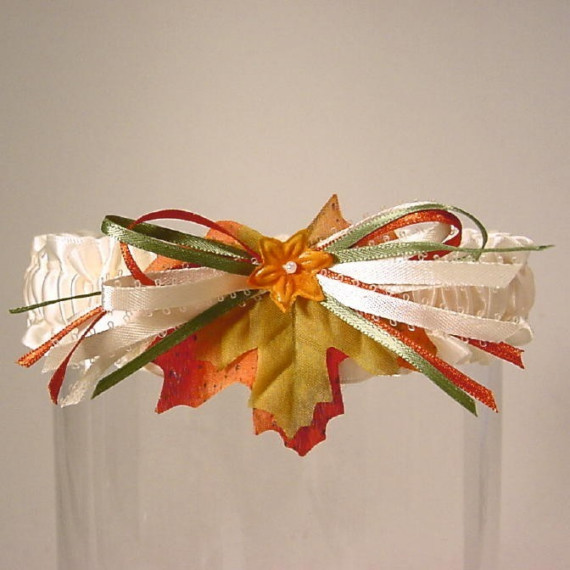 Свадьба - Wedding garter FALL BRIDE TOSS Autumn Leaves