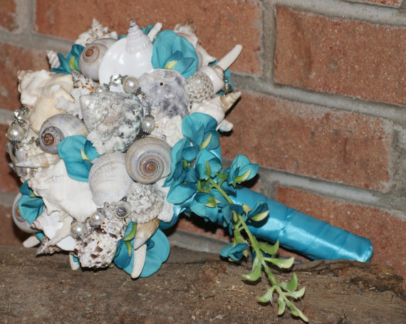 زفاف - Blue Teal Cascading Seashell Bouquet