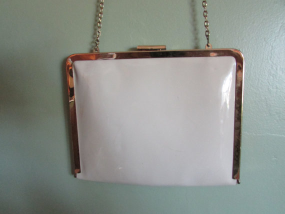 Hochzeit - Vintage Handbag Harry Levine Cream Patent Leather Chain Purse Clutch Wedding Handbag Wedding Clutch Prom Bag