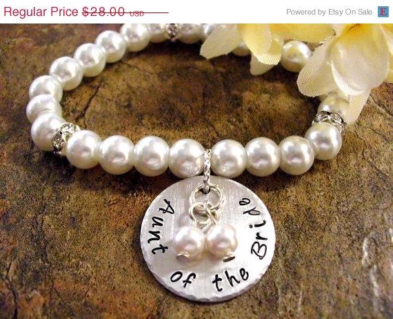 زفاف - Sale Right Now Aunt of the Bride Pearl Bracelet, Aunt Wedding Bracelet, Bridal Bracelet, Aunt of the Bride Jewelry