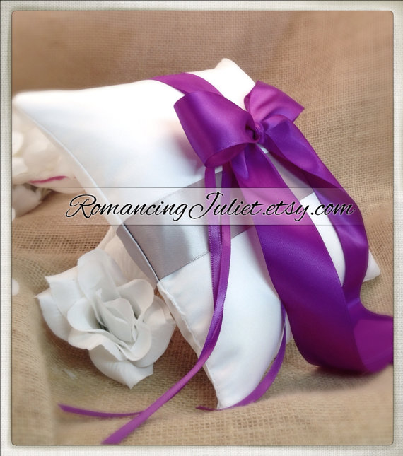 زفاف - Romantic Dual Color Satin Ring Bearer Pillow...You Choose the Colors...Buy One Get One Half Off..shown in white/royal purple/silver gray