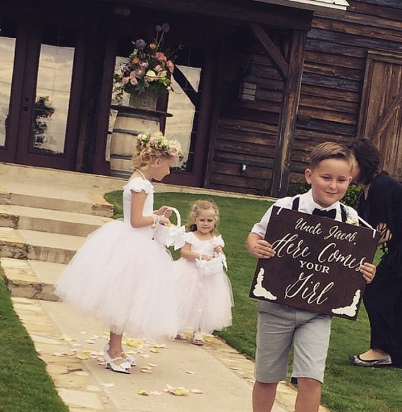 Mariage - Double sided ring bearer sign, here comes your girl, now lets party