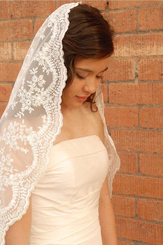 زفاف - Lace Mantilla Wedding Veil -Spanish Style Veil - Romantic Veil - Madrid