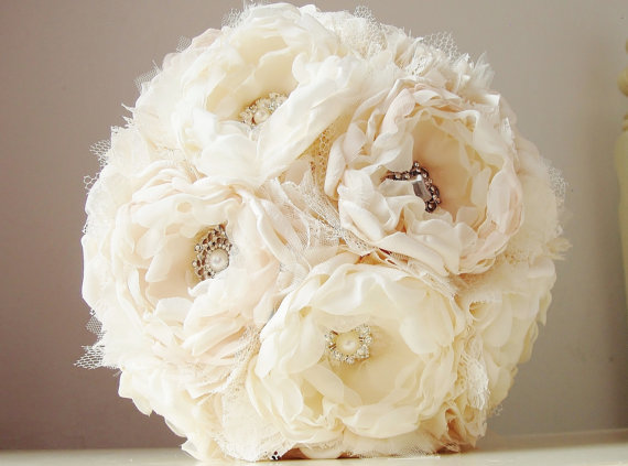 Mariage - Reserved Listing - Fabric Brooch Bouquet and Boutonniere