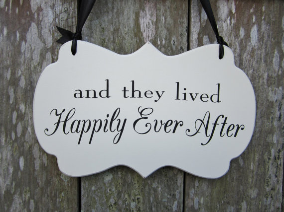 """Mariage - Hand painted Flower Girl / Ring Bearer Cottage Chic Wedding sign """"and they lived Happily Ever After"""""""