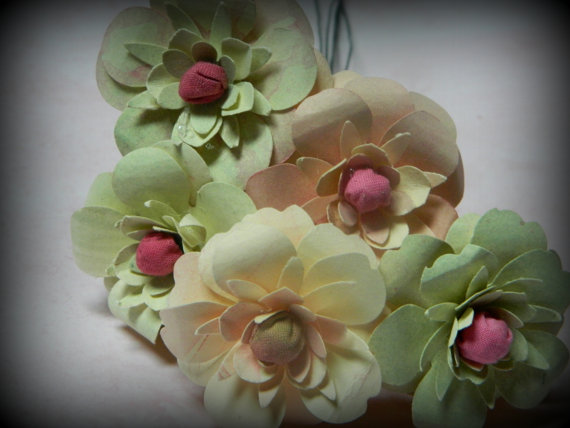 Свадьба - Field of flowers -Pastel  Hand cut paper Flowers - Use for cake decorating, bouquets, table decorations  28 flowers
