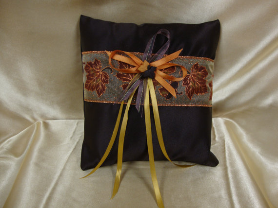 Mariage - Autumn Themed Ring Bearer Pillow with Autumn Deco