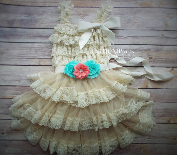 Свадьба - Flower Girl Dres, Rustic Flower Girl Dress, country flower girl dress,Coral Dress, lace girls dresses, baby lace dress, Ivory Lace Dress