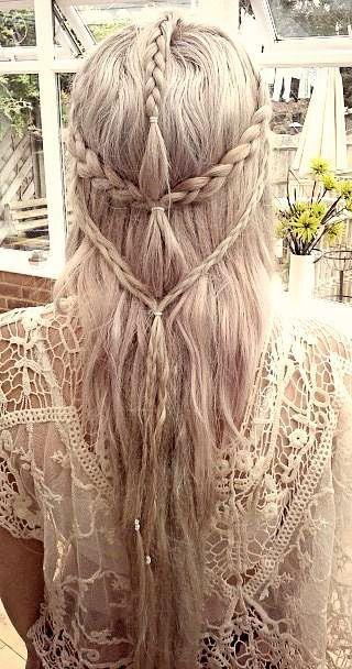 Hochzeit - DIY Tuesday - Stunning Hair Inspirations For The Holiday Season