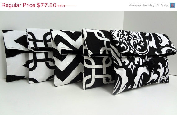 Wedding - ON SALE 5 Bridesmaid Clutches - Black and White Wedding Clutches - Bridesmaid Gifts