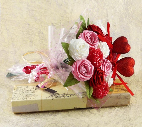 Wedding - Origami Valentine Rose Bouquet Pink Red White Roses (16 Qty Gift Wrapped)