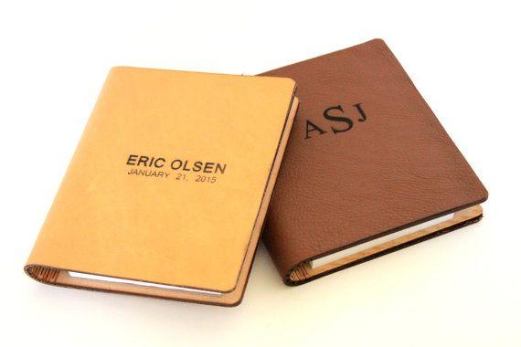 Свадьба - Personalized Handmade Leather Journals ~ Groomsmen Gift Ideas ~ 2 Colors