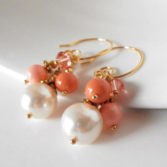 Свадьба - Coral Bead Cluster Earrings, Coral Bridesmaid Jewelry Sets, Pearl Earrings in Gold, Beaded Wedding Jewelry, Bridesmaid Gift, Handmade