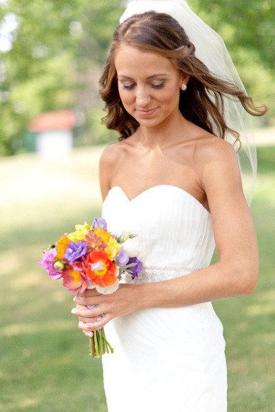 زفاف - Ready to ship!  Elbow length Wedding Bridal Veil white, Wedding veil bridal Veil Elbow length veil bridal veil cut edge veil