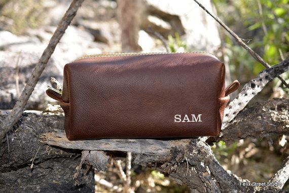 Свадьба - Personalized Groomsman Gifts Leather Handmade Dopp Kit  Toiletry Bag Shaving Kit for Groomsmen Gift Discounted Listing for Multiple Bags
