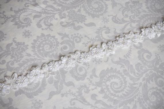 Mariage - Floral Lace Bridal Sash, Weeding Sash with Beaded Flowers, Ivory Lace Bridal Sash, ivory, white, champagne gold, black - 103S