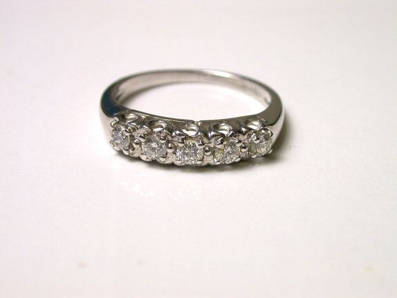 14k 5 Diamond Band White Gold Ring Size 5 Weight 2 2 Grams