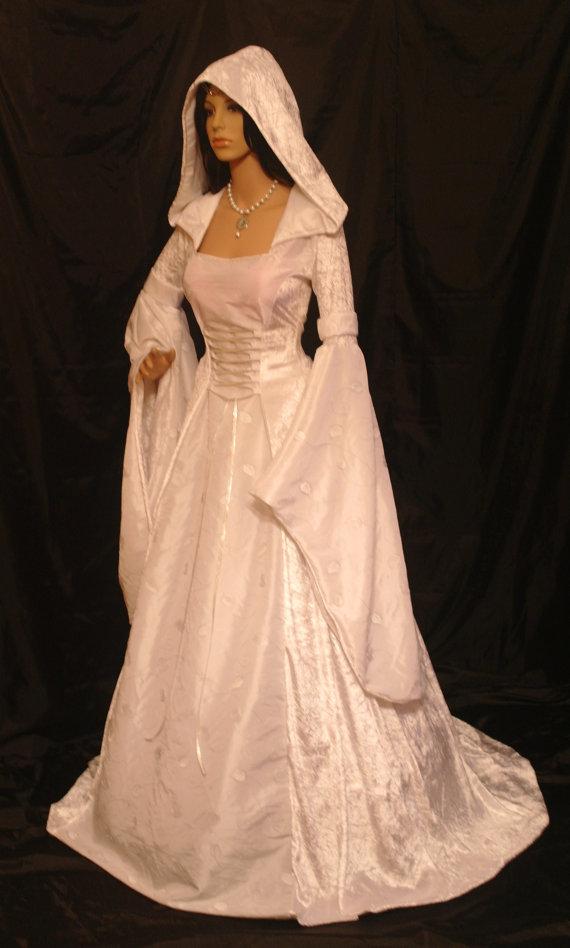 Renaissance Dress Meval Handfasting Elven Embroidered Scottish Widow Hood Wedding Custom Made