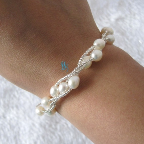Mariage - Pearl Bracelet - 8 inches 3 Row 6-7mm White Rice Freshwater Pearl Bracelet - Free shipping