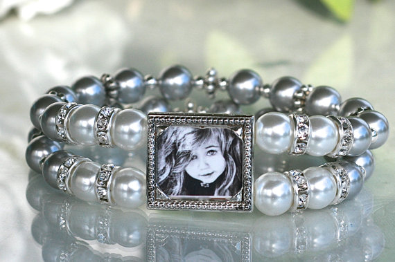 Mariage - Wedding Bracelet, Brides Bracelet, Mother of the Bride Bracelet, Mother of the Bride jewelry, Bridal Bracelet, Bridal Jewelry, Photo jewelry