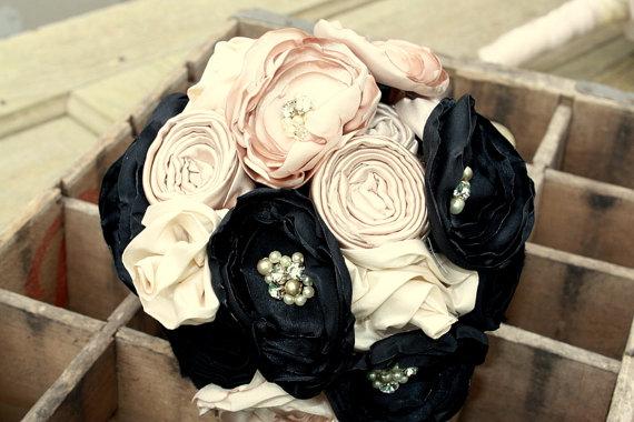 "Mariage - Champagne wedding bouquet, Fabric flower bridal bouquet, Elegant bouquet in champagne and black, 8"""