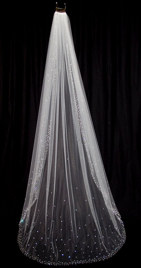 Mariage - Bridal Veil With Crystal Edge And Scattered Crystals, Floor Length (75 Inch) Crystal Wedding Veil, White Or Ivory Veil, Style 1030