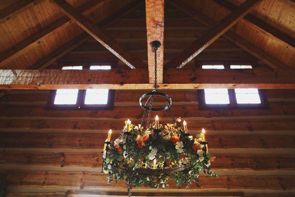 Hochzeit - Chic Vintage Barn Wedding