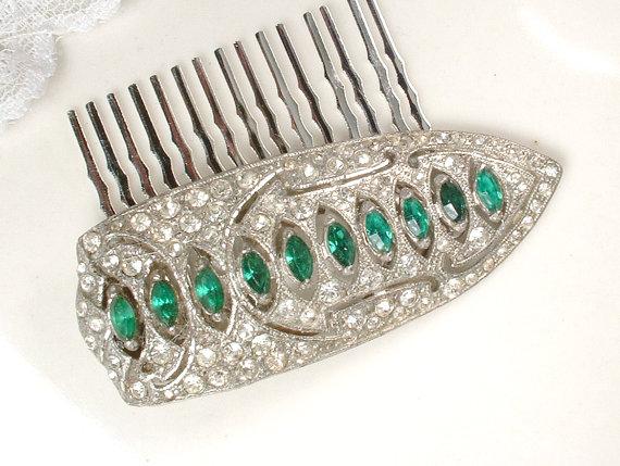Свадьба - 1920s OOAK Emerald Green Rhinestone Hair Acessory Antique Ar Ft Deco Pave Dress Clip to Bridal Headpiece Vintage Wedding Hair Comb Flapper