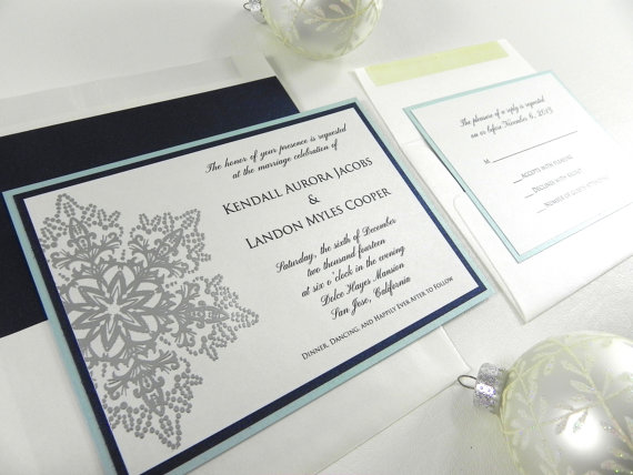 Hochzeit - Icy Silver Snowflake Wedding Invitation Set