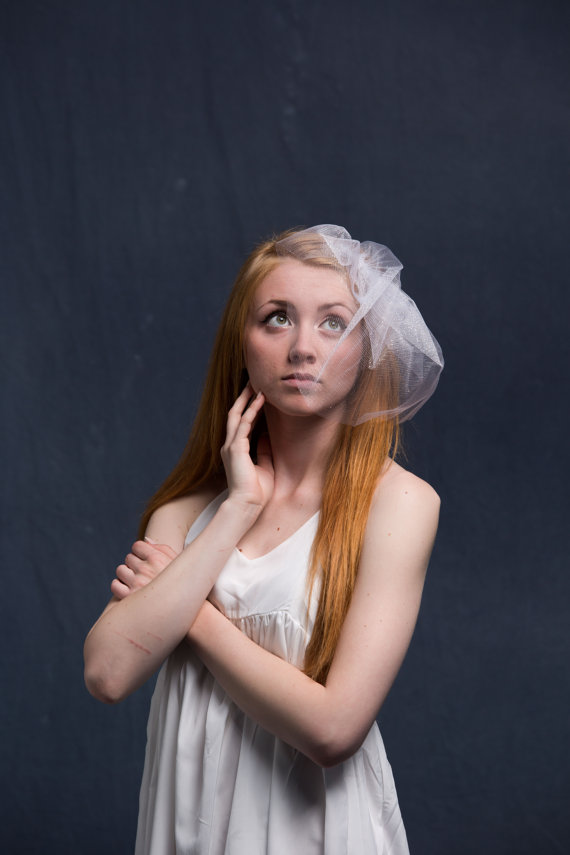 Mariage - Wedding Veil or Bachelorette Veil, Birdcage Veil, Tulle Veil, Glitter Veil, Sparkle Veil