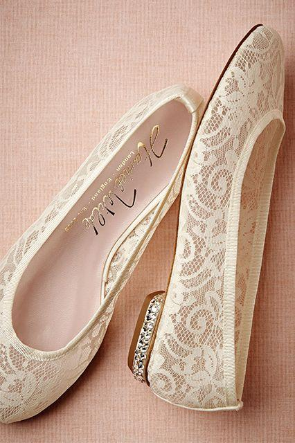 Hochzeit - Ditch The Heels On Your Wedding Day With These Picks
