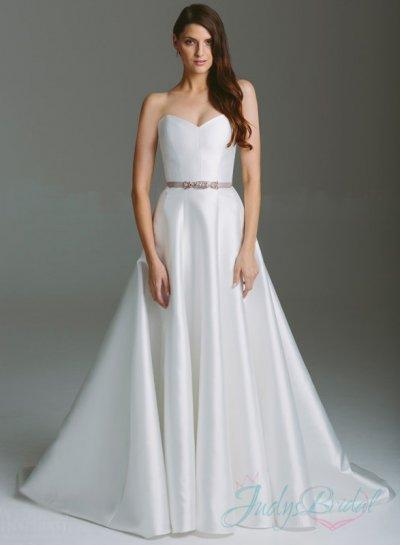 simple plain white sweetheart neckline a line wedding