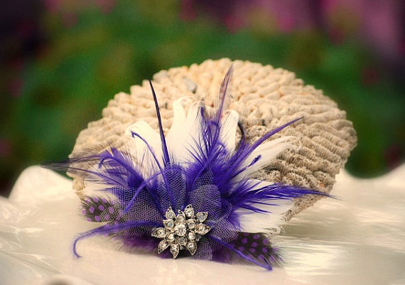 Düğün - Hair Comb or Clip Royal Purple & Ivory / Black / White / Feathers Rhinestone. Bride Bridal Burlesque Couture Glitz, Winter Pantone Statement