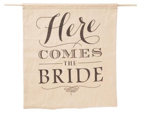 """زفاف - Hortense B. Hewitt Burlap """"Here Comes The Bride"""" Sign"""
