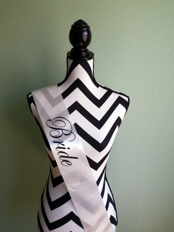 Свадьба - Bachelorette Sash. Bride Sash. Satin Wedding Sash. Engagement Gift . Bride to Be Gift . Bride to Be Sash . Bachelorette Party