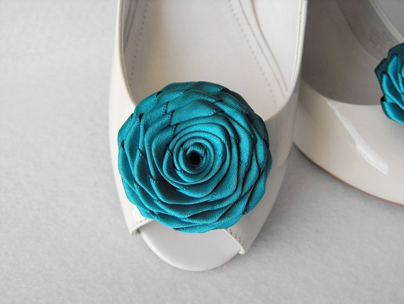 Mariage - Handmade rose shoe clips bridal shoe clips wedding accessories in teal (peacock teal)
