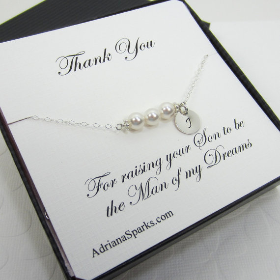 Свадьба - Mother of the groom Bracelet with Card, Mother in law Thank you card, Personalized Custom bracelet, bridal party bracelet, bridal jewelry