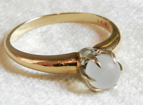 Mariage - Moonstone Ring Moonstone Engagement Ring Gold 14K Victorian Claw Set Moonstone Mystical Ring, Alternative June Birthstone