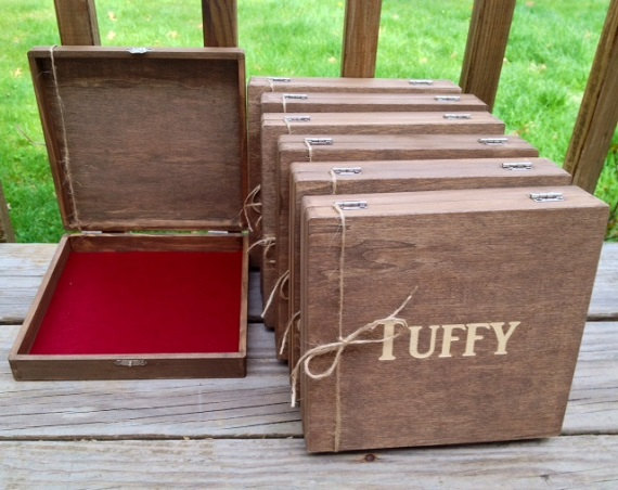 Mariage - Rustic Groomsmen Gift - Set of 6 Wooden Cigar Boxes - Laser Engraved Name - Stained and Personalized - Free Shipping Code Inside Listing