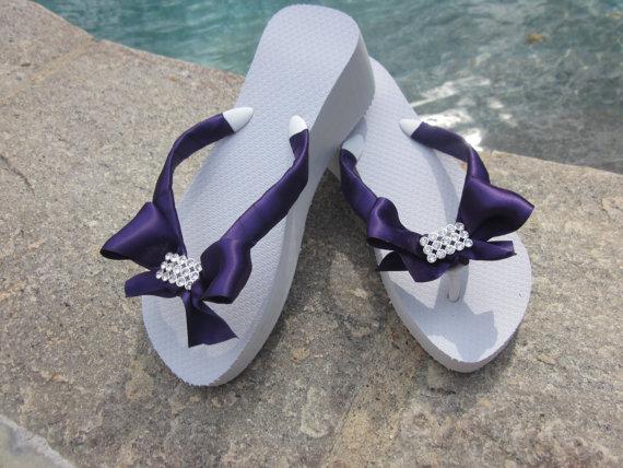 Mariage - Wedding Flip Flops. Bridal Flip Flops. Bridal Platform Flip Flops. Bling Flip Flops. Beach Wedding.Destination Wedding Accessories.