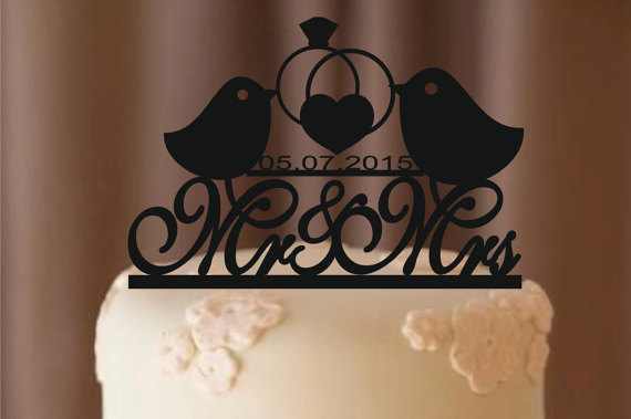 Hochzeit - fall sale Personalized Cake Topper - Custom Wedding Cake Topper - Monogram Cake Topper - Mr and Mrs - Cake Decor - Bride and Groom