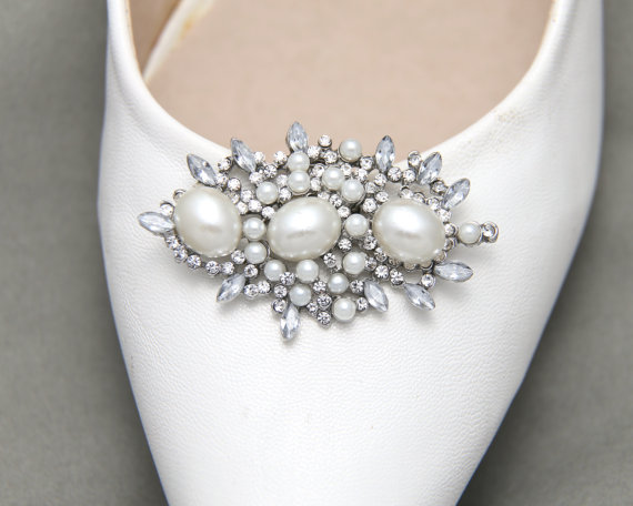 Wedding - A Pair Of White Faux Pearl Crystal Shoe Clips, Rhinestone Crystal Shoe Clips, Wedding Bridal Shoe Clips, Shoes Decoration Fascinator