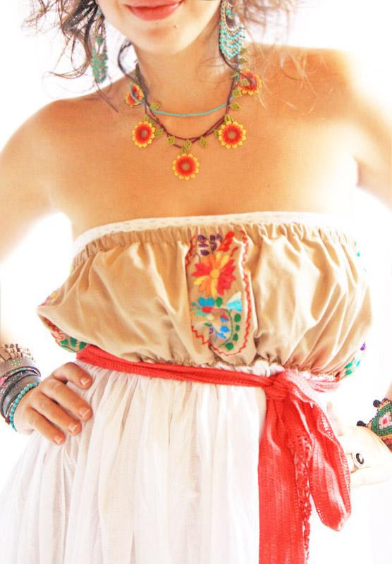 Hochzeit - Las Flores Mexican Dress strapless with Huichol red Flowers necklace and red belt