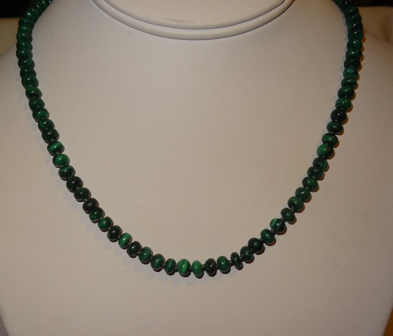 Hochzeit - 18 Inch Malachite and Sterling Silver Bead Necklace
