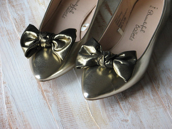 Mariage - Gold shoe clips Old gold shoe bows Gold black shoe bow Black shoe clips Gold accessories Gold wedding clips Gold bridesmaids gift Gold shoes