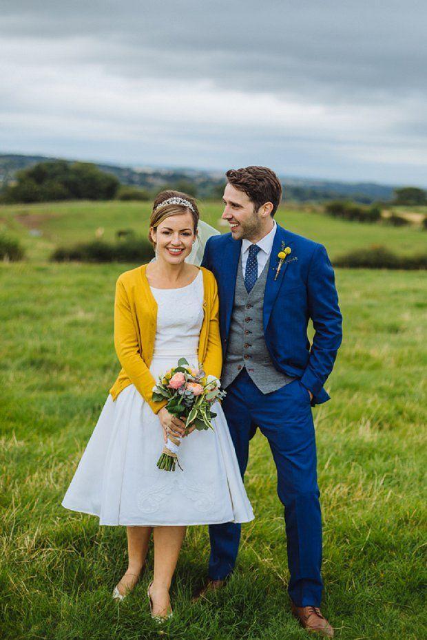 Hochzeit - Blue & Mustard Rustic Wedding With 50s Dress & 1000 Origami Cranes: Kirsty & Paul
