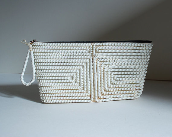 Свадьба - Vintage White Clutch Plastic Coil Telephone Cord Purse Textured Bag Pouch Mod Wedding Prom Retro Cocktail Party Glam Mad Men