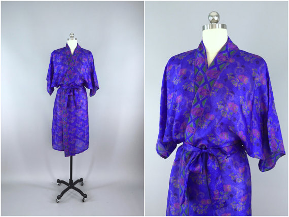 Свадьба - Silk Robe / Silk Sari Robe / Silk Kimono Robe / Vintage Indian Sari / Dressing Gown Wedding Lingerie / Boho Bohemian Blue Small Floral Print